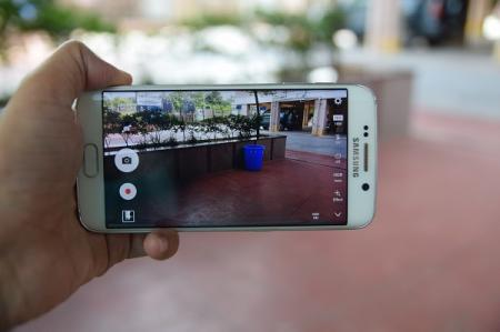 How is it using the Galaxy S6 edge more than a year later?