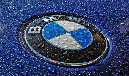 BMW Remotely Locks Thief In Car